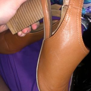 Old Navy Shoes - Old navy chunky heels (size 8)